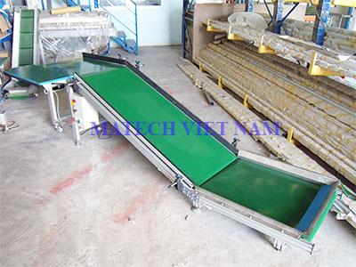 Băng tải gấp khúc PVC ba đoạn