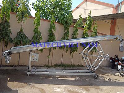 Băng tải nghiêng chịu tải nặng